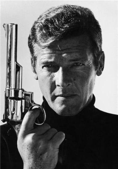 Terry O'Neill - Roger Moore - Live And Let Die (24