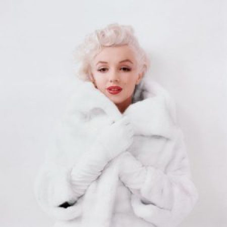 Milton H. Greene - Marilyn Monroe - White Fur Sitting (WF-01)
