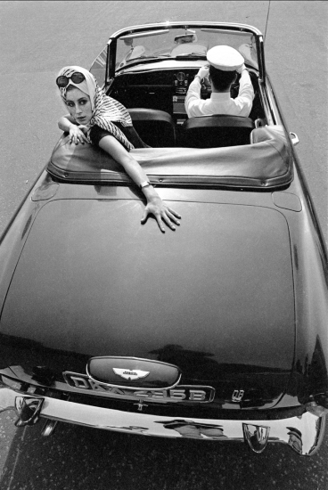 Brian Duffy - Girl over car boot