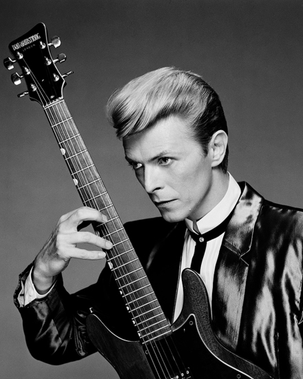Greg Gorman - David Bowie with guitare, NYC 1984