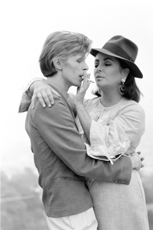 "Terry O'Neill - David Bowie And Elizabeth Taylor (16"" x 12"")"