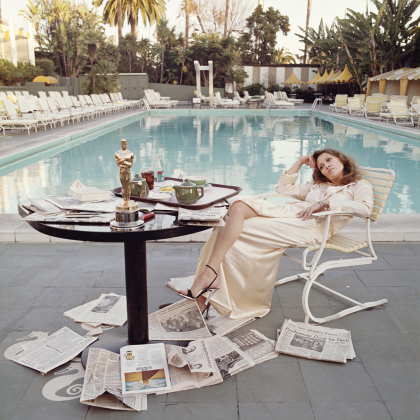 Faye Dunaway Oscar (Outtake), Beverly Hills Hotel 1977. Foto: Terry O'Neill.
