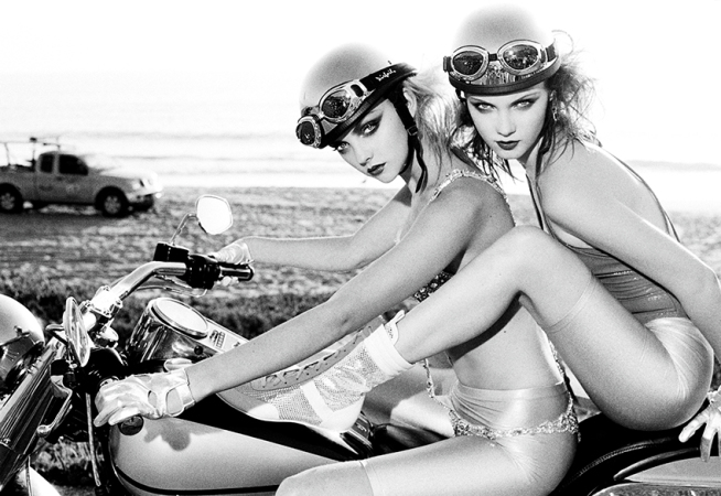 Ellen von Unwerth - Easy riders, Los Angeles, 2006 40x50 | edt. 15